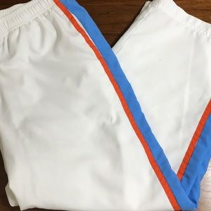 Nike medium white orange blue capris